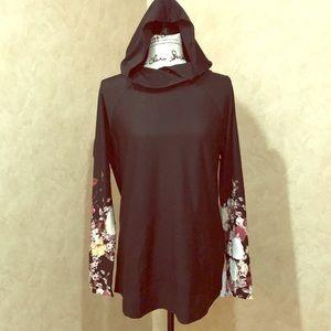 AMAZING black Lularoe Amber with floral sleeves